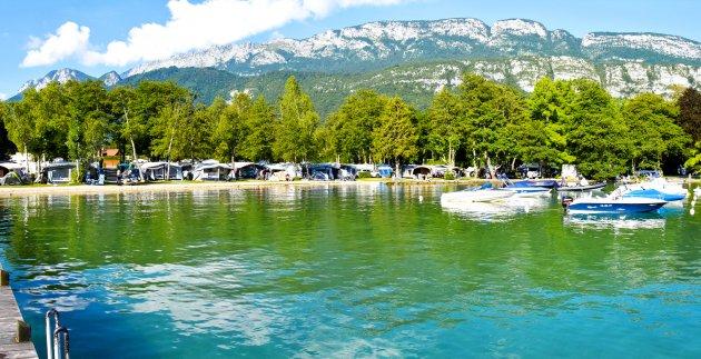 emplacements camping lac bleu
