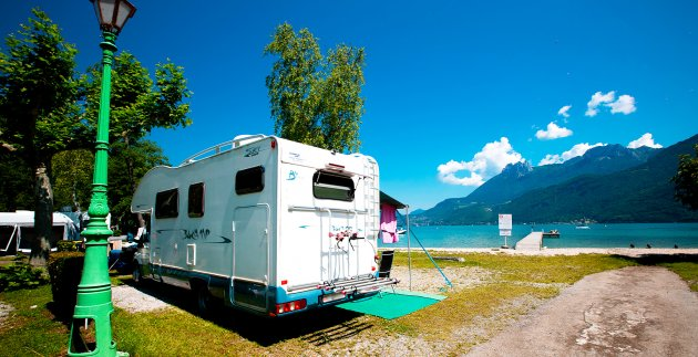 lac bleu camping car